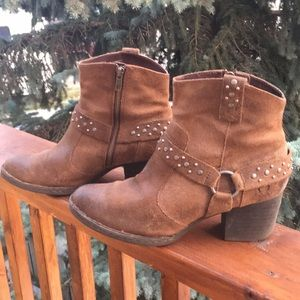 BORN  ankle boot  brown sz 9.5/41